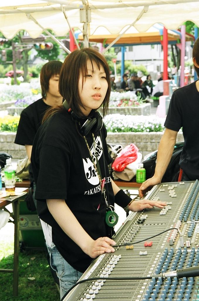 music_2004_01